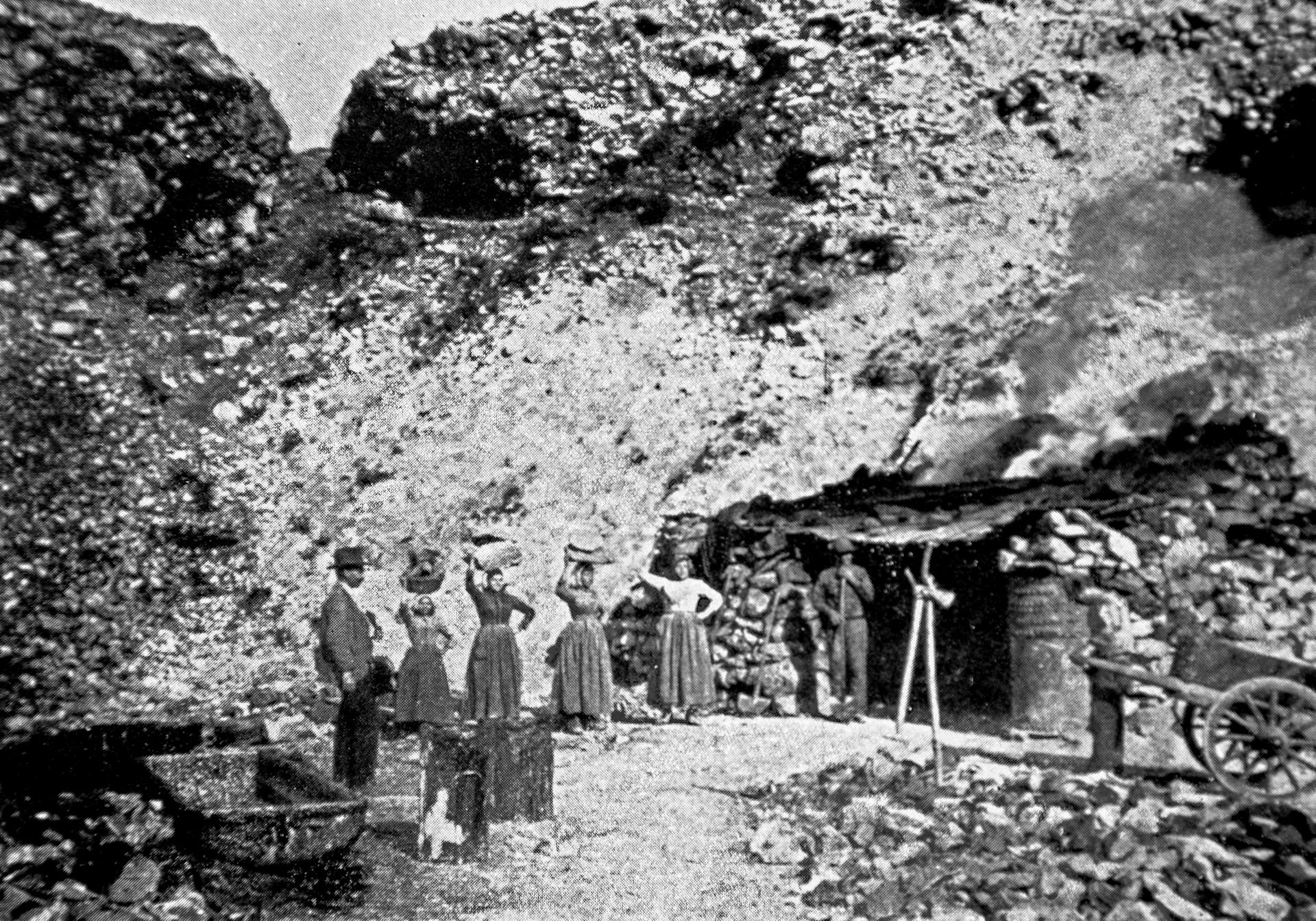 Forno per l'estrazione di bitume presso la miniera di Fonticelli a Lettomanoppello (Pescara)